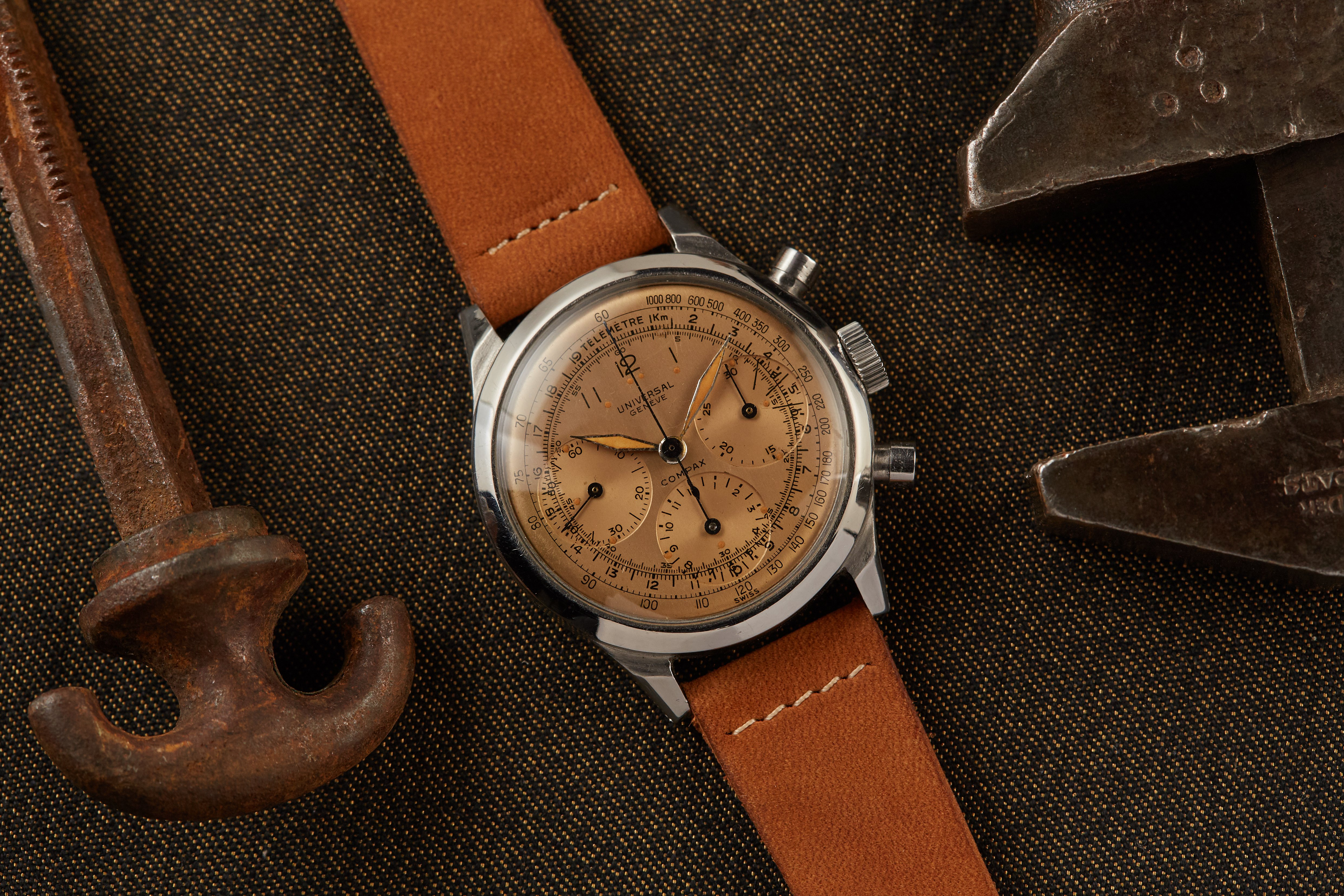 A fantastic salmon dial Compax by @analogshift