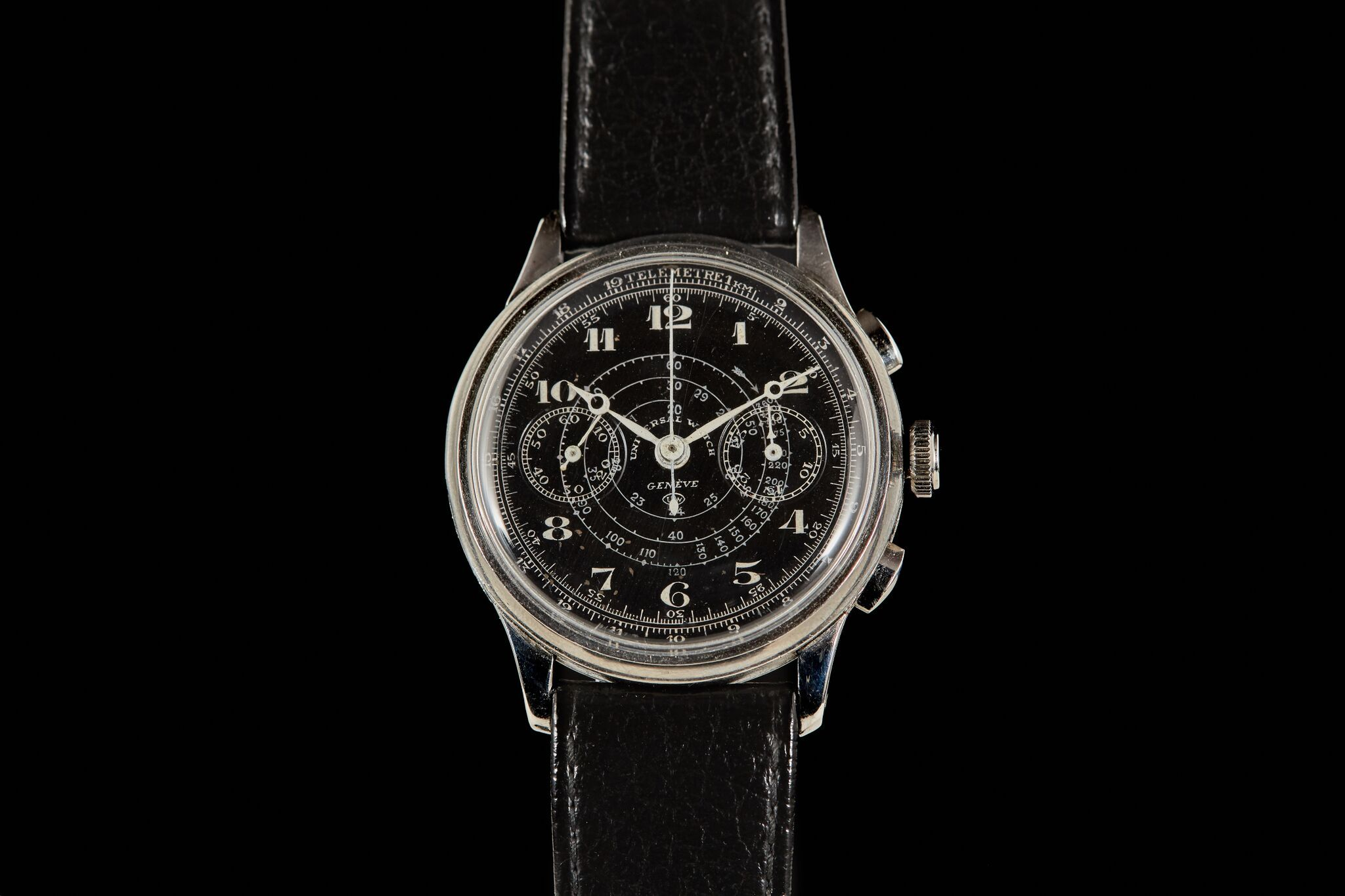 A black dial 1st generation Compur by @analogshift