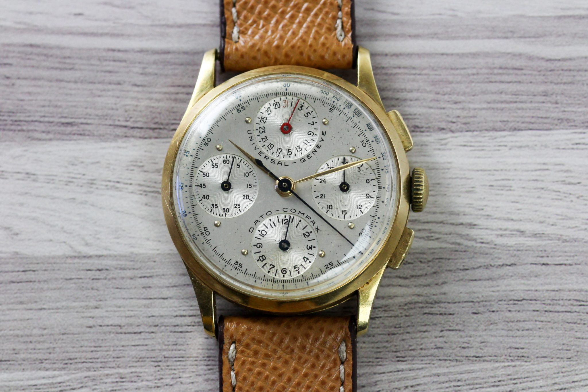 A gold Dato Compax ref. 12495 with silver dial by @Mentawatches
